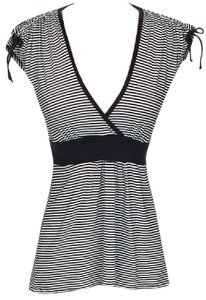 Ella Moss Striped Tie V-neck Contrast Top