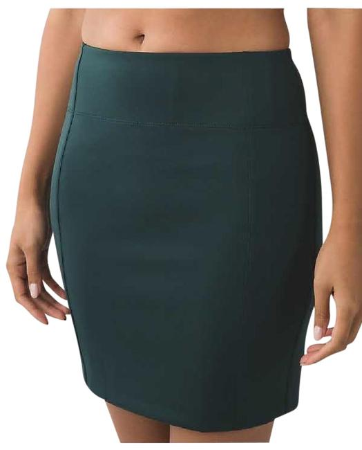 Preload https://img-static.tradesy.com/item/21069527/lululemon-dark-fuel-and-go-cityfarer-activewear-skirt-size-6-s-28-0-1-650-650.jpg