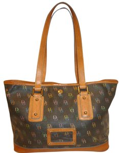 Dooney & Bourke Refurbished Monogram Coated Canvas Lined Shoulder Bag