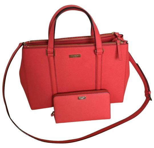 Preload https://img-static.tradesy.com/item/21069569/kate-spade-newbury-lane-loden-large-and-matching-zippy-wallet-red-saffiano-leather-satchel-0-1-540-540.jpg
