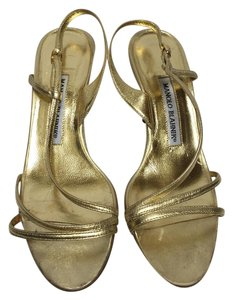 Manolo Blahnik Elegant Sandal Stiletto Gold Pumps