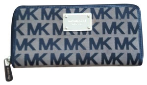 Michael Kors Monogram mk zip wallet