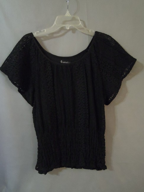 Signiture Studio Lace Stretchy Top black