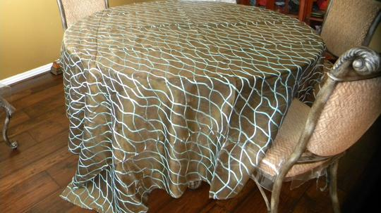 Preload https://item5.tradesy.com/images/brown-table-topper-vs006b-tablecloth-2107049-0-0.jpg?width=440&height=440