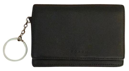 Preload https://img-static.tradesy.com/item/21070598/coach-black-keychain-wallet-0-1-540-540.jpg