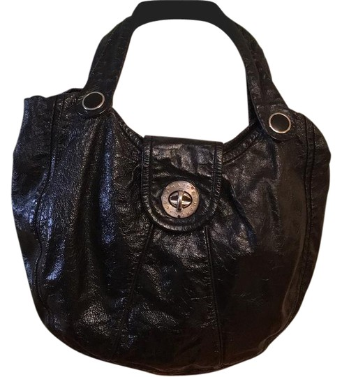 Preload https://img-static.tradesy.com/item/21070787/marc-by-marc-jacobs-black-patent-leather-leather-hobo-bag-0-1-540-540.jpg