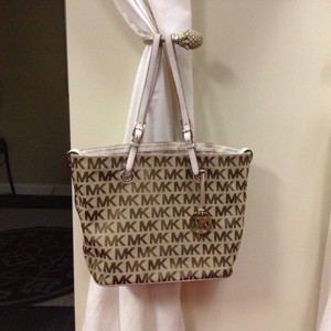 Michael Kors Signature Jacquard Leather Tote in Camel/Mocha/White