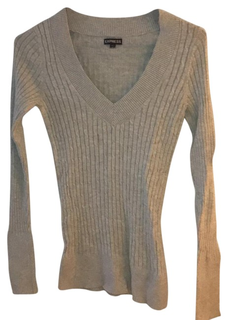 Preload https://img-static.tradesy.com/item/21071337/express-cable-knit-gray-sweater-0-1-650-650.jpg