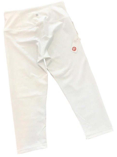 Preload https://img-static.tradesy.com/item/21071419/manduka-white-essential-capri-activewear-bottoms-size-8-m-0-1-650-650.jpg