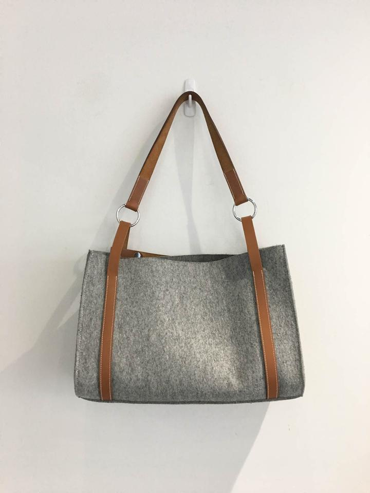 ef104cb42 Hermès Bag Cabalicol Grey Felt and Natural Vache Hunter Leather Tote ...