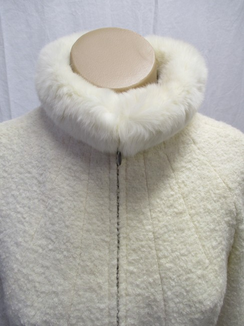 Alexander McQueen Rabbit Fur Collar Size 10 Made In Italy Cream Wool Blend Boucle Jacket Image 2