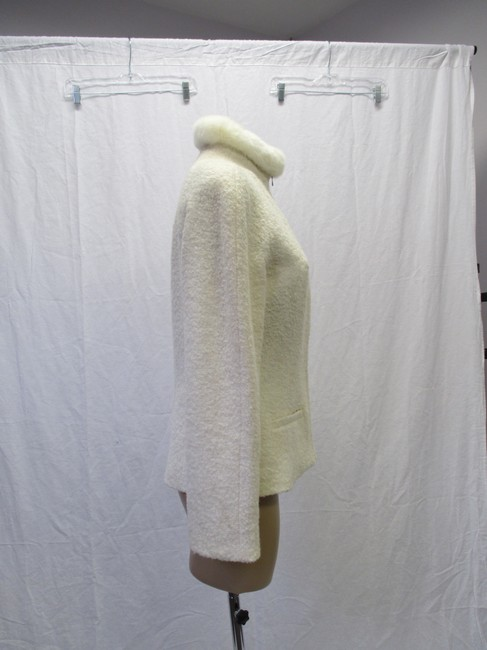 Alexander McQueen Rabbit Fur Collar Size 10 Made In Italy Cream Wool Blend Boucle Jacket Image 4