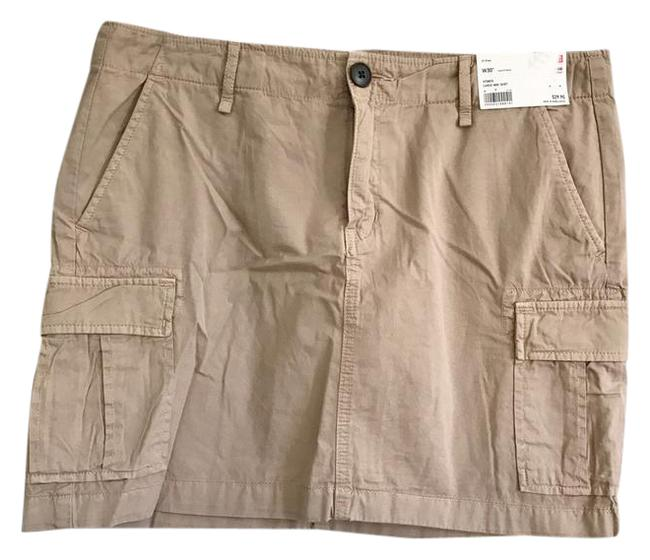 Preload https://img-static.tradesy.com/item/21072256/uniqlo-beige-cotton-cargo-miniskirt-size-12-l-32-33-0-1-650-650.jpg