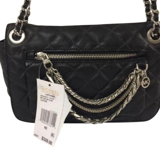 Preload https://img-static.tradesy.com/item/21072258/michael-kors-cheyenne-back-leather-cross-body-bag-0-1-540-540.jpg