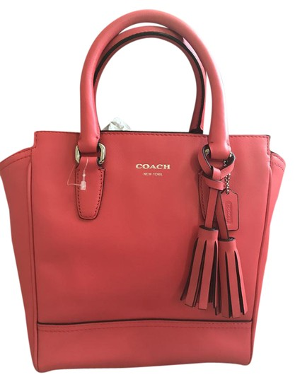 Preload https://img-static.tradesy.com/item/21072501/coach-bright-pink-leather-cross-body-bag-0-1-540-540.jpg