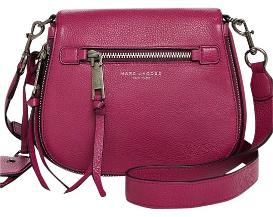 Preload https://img-static.tradesy.com/item/21073022/marc-jacobs-recruit-small-nomad-saddle-wild-berry-leather-cross-body-bag-0-1-540-540.jpg