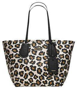 Coach Tote in Black Chalk Brown Leopard