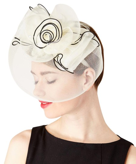 Preload https://img-static.tradesy.com/item/21073254/cream-and-black-and-floral-accent-veil-fascinator-headband-hair-accessory-0-1-540-540.jpg