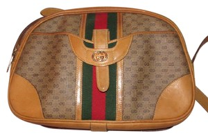 Gucci High-end Bohemian Mint Vintage Exterior Pocket Bowling Look Perfect For Everyday Satchel in brown small G logo print coated canvas & camel leather with red/green striped center