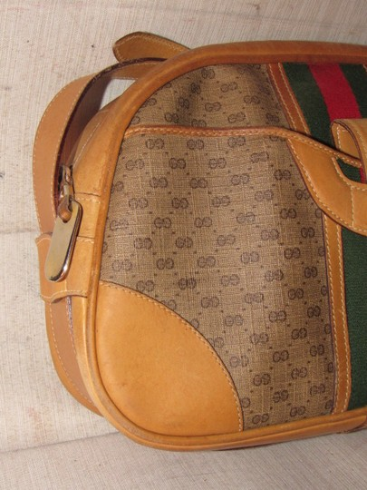 Gucci High-end Bohemian Mint Vintage Exterior Pocket Bowling Look Perfect For Everyday Satchel in brown small G logo print coated canvas & camel leather with red/green striped center Image 4