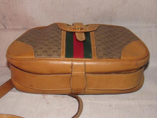 Gucci High-end Bohemian Mint Vintage Exterior Pocket Bowling Look Perfect For Everyday Satchel in brown small G logo print coated canvas & camel leather with red/green striped center Image 5