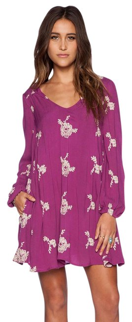 Item - Berry XS Emma Embroidered Short Casual Dress Size 2 (XS)