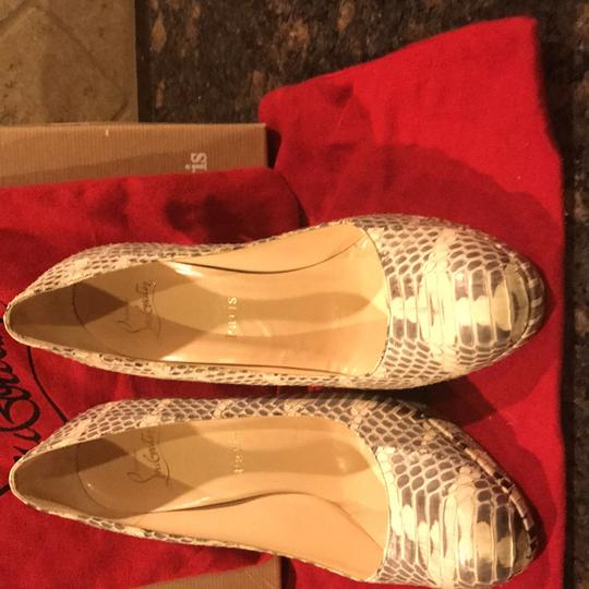 Christian Louboutin cream and grey Pumps Image 11