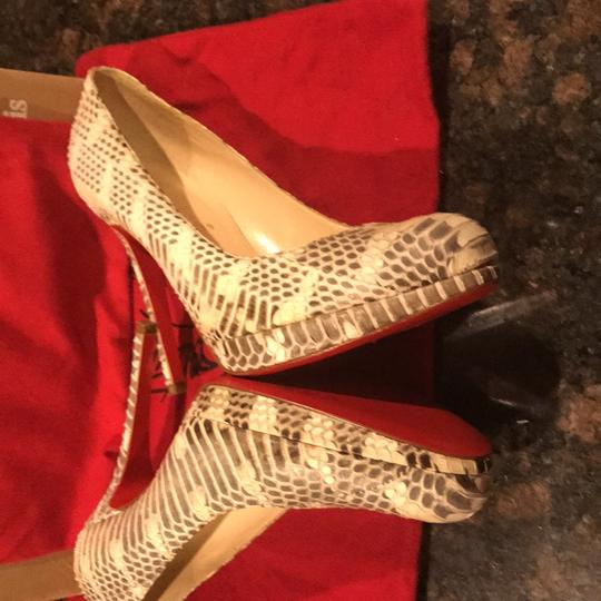 Christian Louboutin cream and grey Pumps Image 3