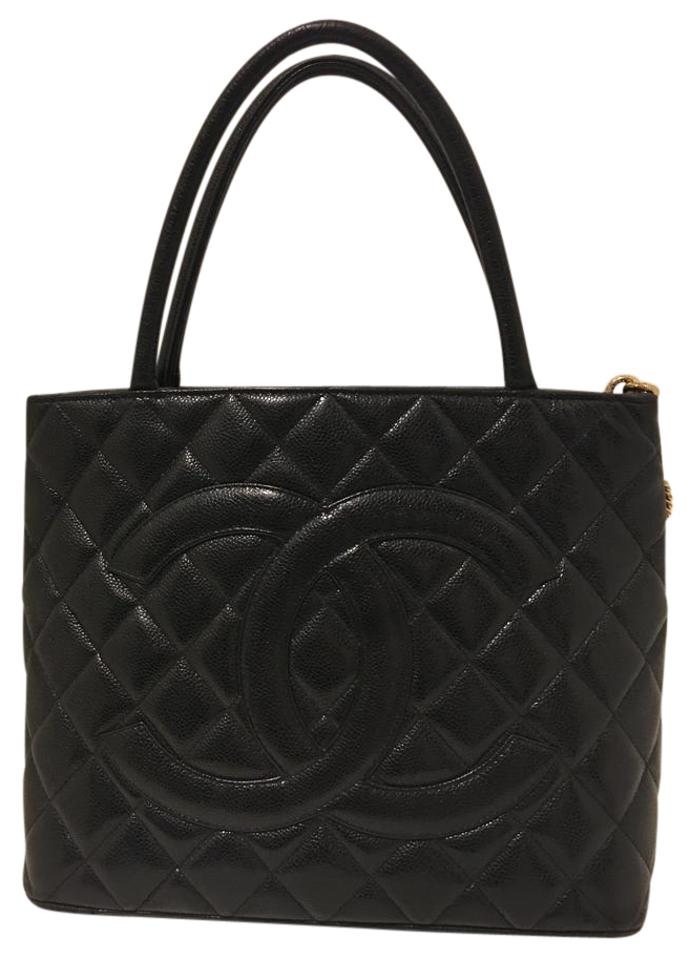 Chanel Médallion Quilted Caviar Tote Black Leather Shoulder Bag ... 5287e57f52344