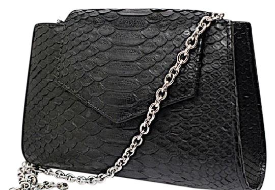 Preload https://img-static.tradesy.com/item/21075679/matt-clutchhandbag-silver-chain-black-python-clutch-0-1-540-540.jpg