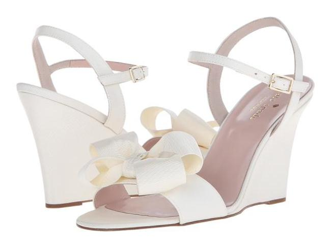 Item - Ivory Iballa Grosgrain Wedge Wedding Bridal Formal Shoes Size US 8 Regular (M, B)
