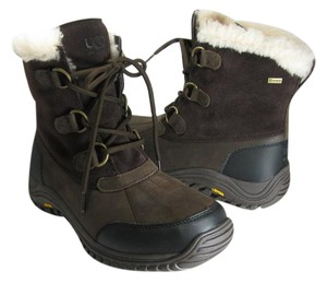 UGG Australia stout brown Boots