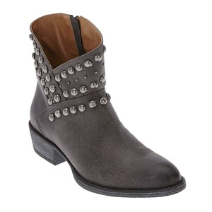 Matisse Western Leather Cowboy Studded distressed black Boots