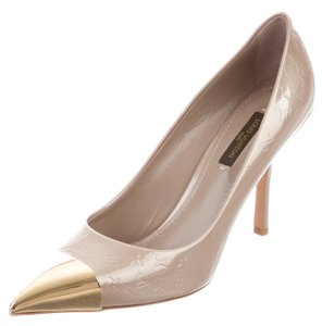Louis Vuitton Logo Lv Monogram Gold Hardware Vernis Pointed Toe Beige, Gold Pumps