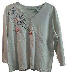 Appleseed's Flowers Pullover Top White