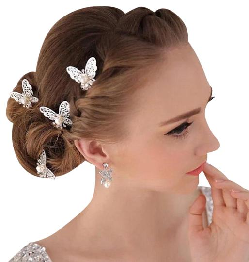 Preload https://img-static.tradesy.com/item/21078717/silver-and-white-new-wedding-pearl-jewelry-hair-accessory-0-5-540-540.jpg