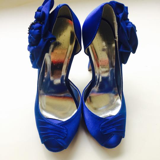 Lilliana Pumps Image 3