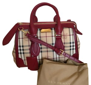 2175ac22e62b Red Burberry Bags - Up to 90% off at Tradesy