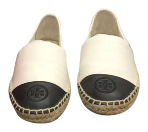Tory Burch Ivory-Black Flats