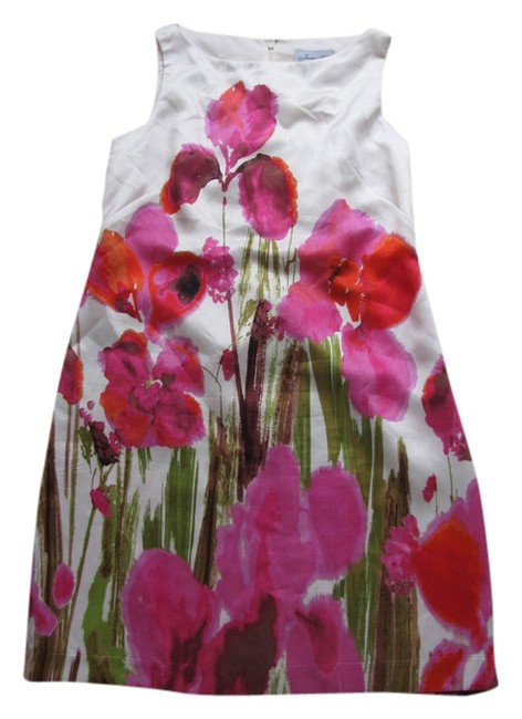 Preload https://item1.tradesy.com/images/cream-background-with-hot-pink-flowers-knee-length-short-casual-dress-size-10-m-2108430-0-0.jpg?width=400&height=650