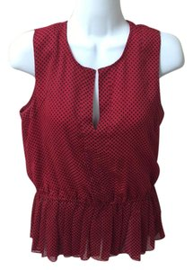 QMack Top red with navy dots