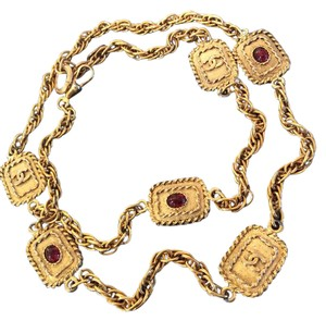Chanel RARE VINTAGE CHANEL 18k GOLD PLATED GRIPOIX CC NECKLACE