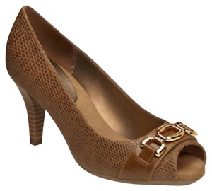 Aerosoles Dark tan with gold hardware Pumps