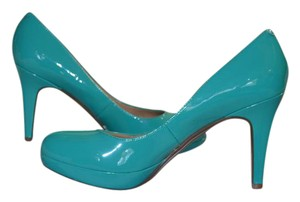 Marc Fisher Rubber Sole Platform turquoise patent leather Pumps