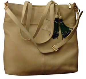 Tommy Bahama Tote in White Sand