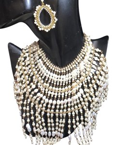 Neiman Marcus Pearl necklace with earring