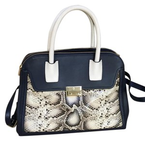 Tory Burch Tote in navy and white