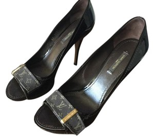 Louis Vuitton Patent Monogram Calf Patent Pumps