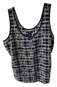 Gap Flowy Geometric Patterned Top Black and White