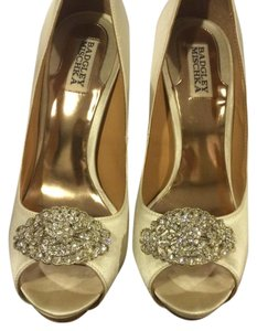 Badgley Mischka Ivory Platforms